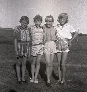 P,m,nancy & terry shorts044