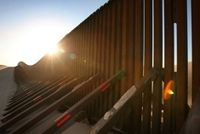 Construction_continues_border_fence_drug_violence_inmbelgrjsil_column_column